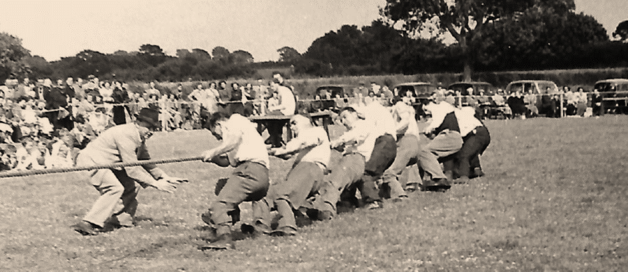 mill-tug-of-war-team-1954