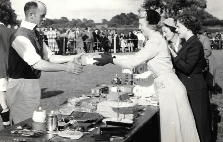 presenting-prizes-portals-sports-day-1954