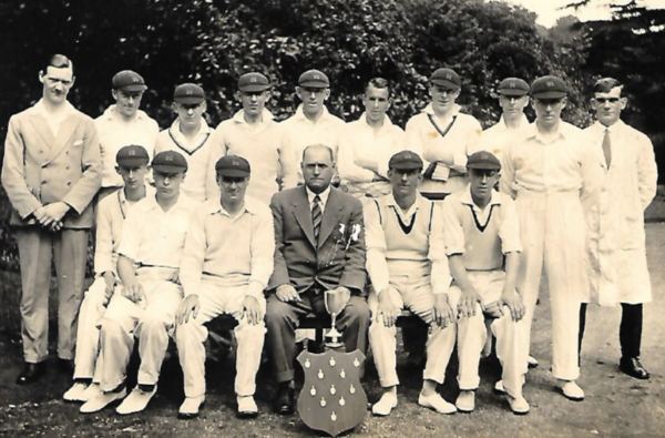 Cricket team 1930s